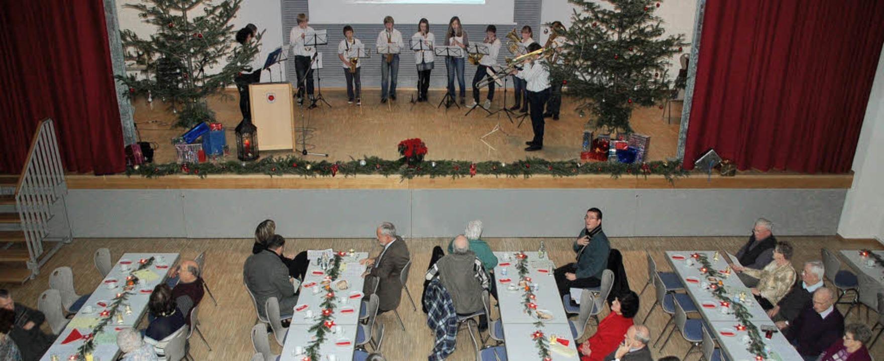 Kindergarten, Grundschule, Musikverein...enioren im Bürgerhaus in Tutschfelden.  | Foto: Marion Domann