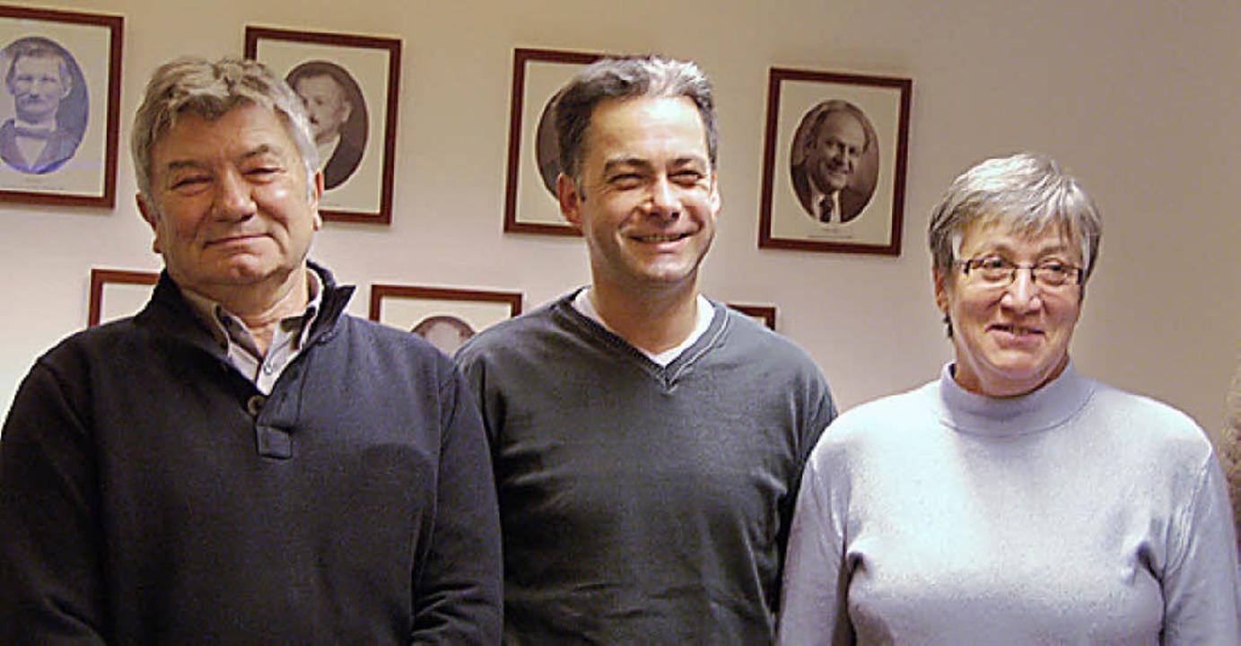 Ausgezeichnete Blutspender (von links)...ael Siegel und Rosa Buschmann (je 25).  | Foto: Pia Grättinger