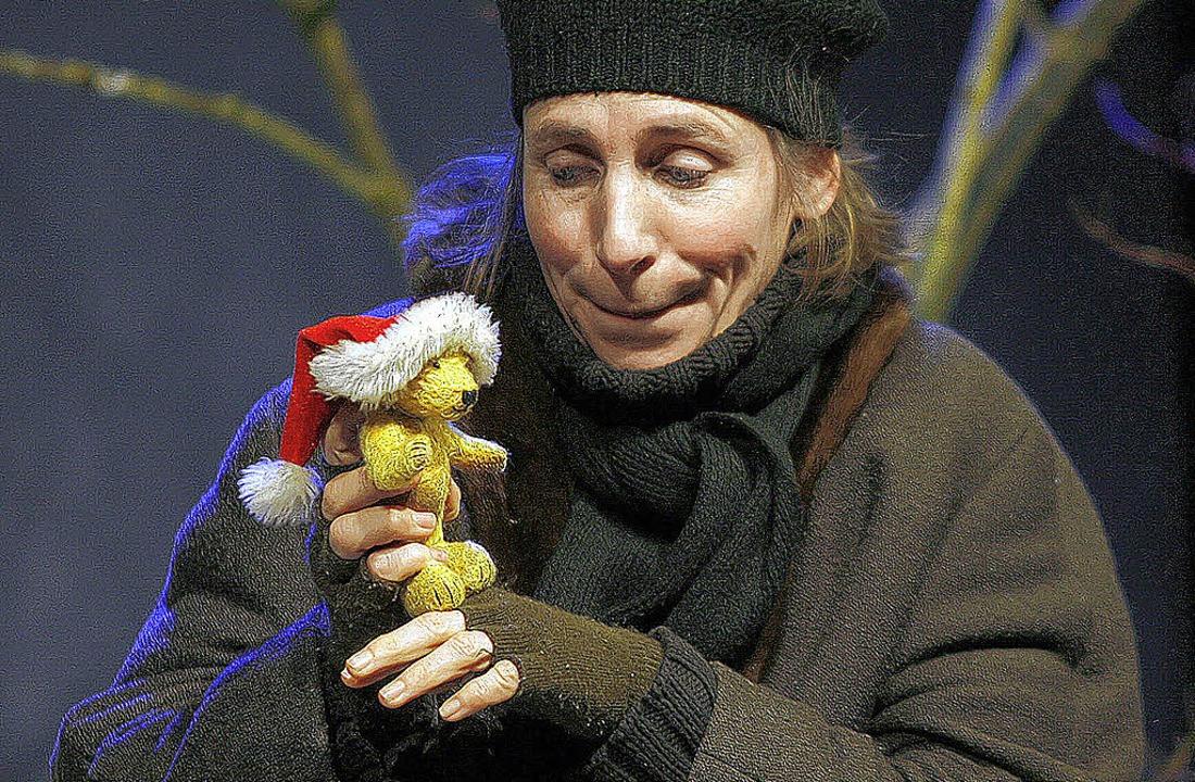 Schauspielerin Sonka Müller und Bärenspielpartner Berti   | Foto: Heidi Fössel
