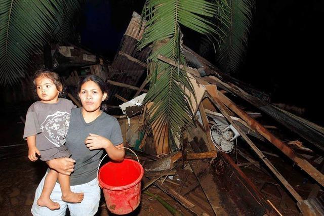 Mehr als 230 Tote durch Sturzflut