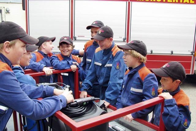 Ein Mannschaftstransportwagen für die Jugendfeuerwehr