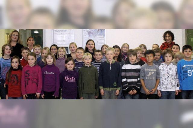 Schüler singen in der Klinik