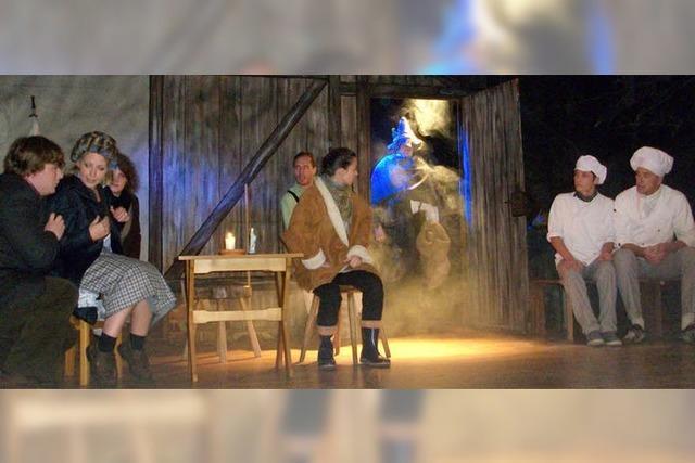 Elf Akteure sorgen für kurzweilige Unterhaltung