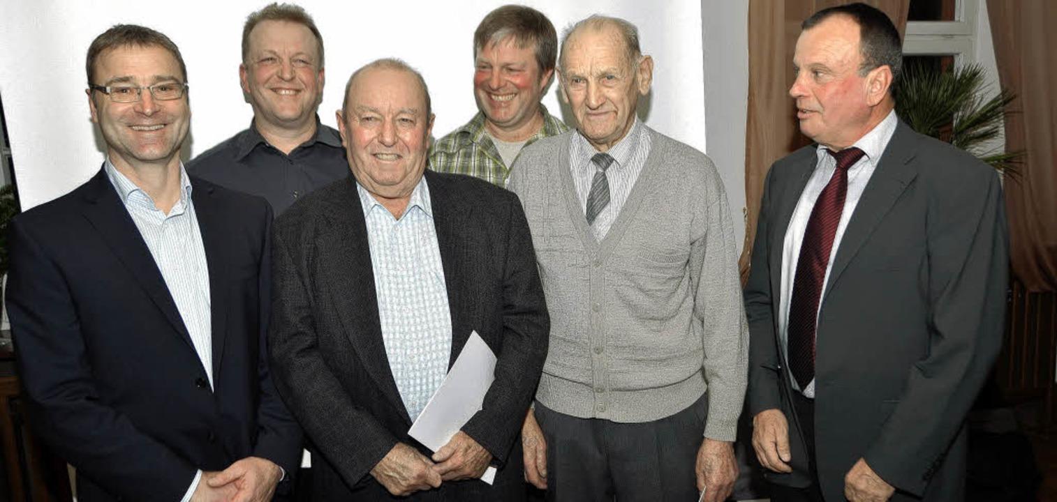 Vorstand Michael Schmidle (links) und ...n Söhne Martin und Manfred Streicher.   | Foto: manfred frietsch