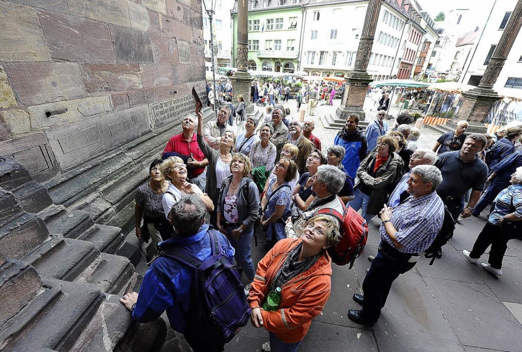 Mehr als 20 Gästeführungsunternehmen b...in Freiburg Touristen ihre Dienste an.    Foto: ingo schneider