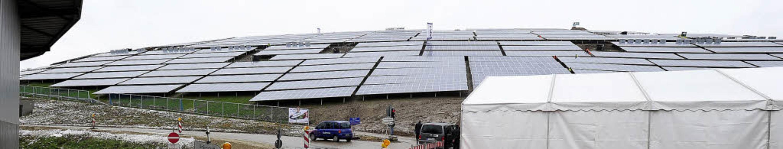 Freiburgs größte Solaranlage liefert k...m – und zwar für 1000 Haushalte.  | Foto: Ingo Schneider