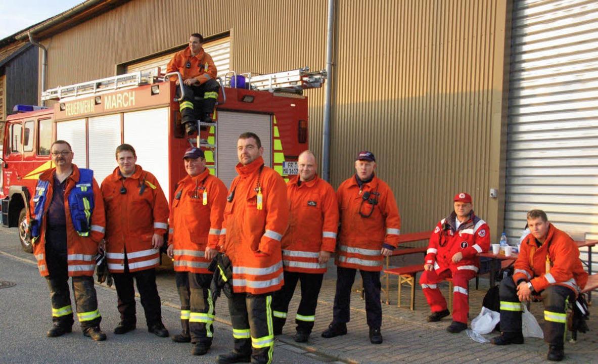 Die Marcher Feuerwehr, hier bei ihrem ...uf eines neuen Feuerwehrfahrzeugs an.   | Foto: manfred frietsch