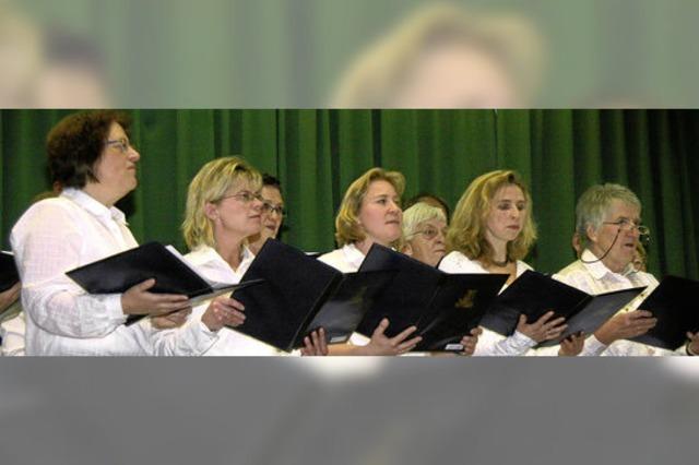 Festliche Lieder und Märchentheater