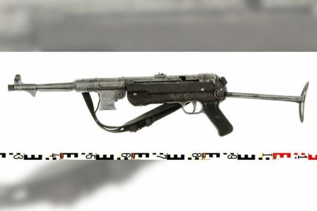 Zoll findet Maschinenpistole in Unterhose