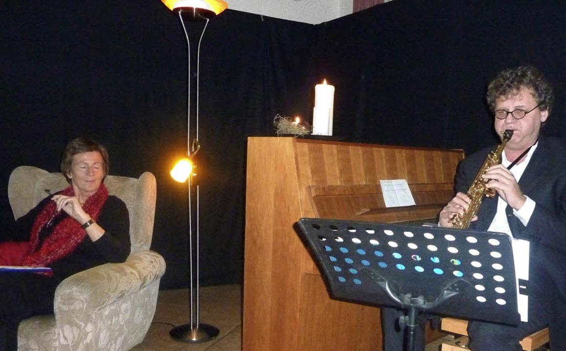 Als großartige Erzählerin zeigte sich ...uger am Saxophon auf Weihnachten ein.     Foto: Karla Scherer