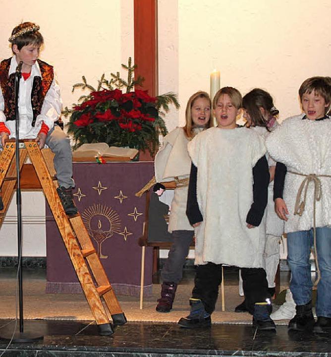 Still, besinnlich und dennoch altersge...chtsfeier in der evangelischen Kirche.    Foto: Martha Weishaar