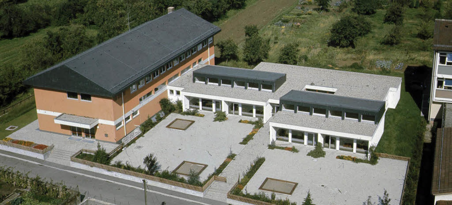 Das Friesenheimer Gemeindehaus im Jahr 1970 nach der  Fertigstellung.     Foto: Privat
