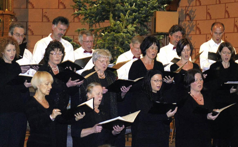 Mit einem vorweihnachtlichen Konzert s... zeigt den Oberrotweiler Kirchenchor.   | Foto: benjamin bohn