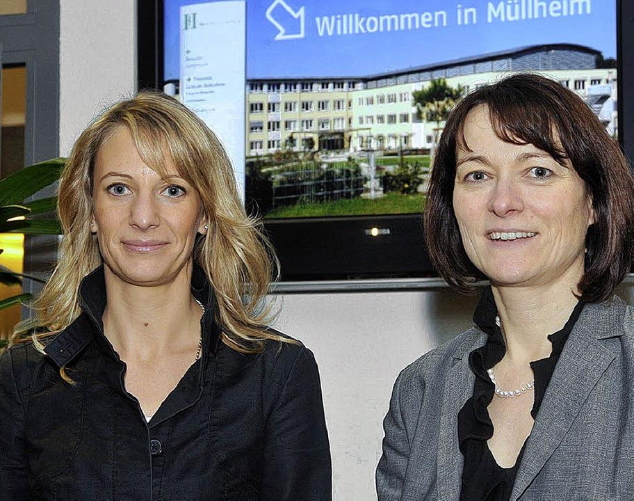Wechsel an der Spitze des Helios-Klini...a Glenz (links) löst Karin Gräppi ab.   | Foto: Volker Münch