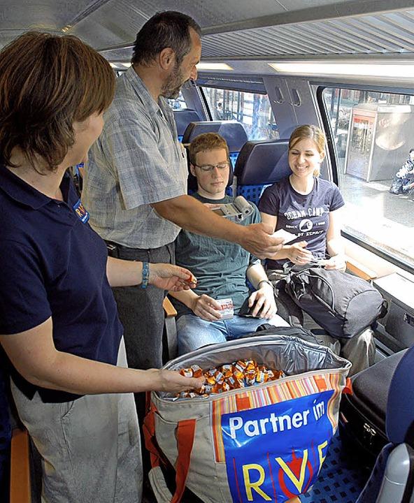 Mit diversen Aktionen versuchen die ÖP...zum Kauf einer Fahrkarte zu bewegen.      Foto: Ingo Schneider