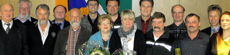 Die Jubilare auf einem Bild (v.l.) : F...ersonalratsvorsitzende  Marietta Heyn   | Foto: KREIS