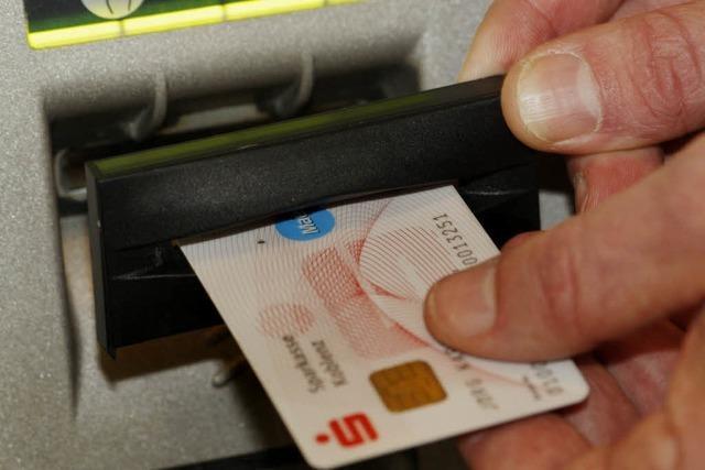 Sicherungstechniken greifen – weniger Datenklau am Geldautomaten