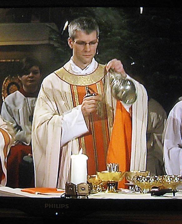 Michael Teipel, wie ihn an Heiligabend...n übertragenen Predigt sehen konnten.     Foto: Heiner A. Baur