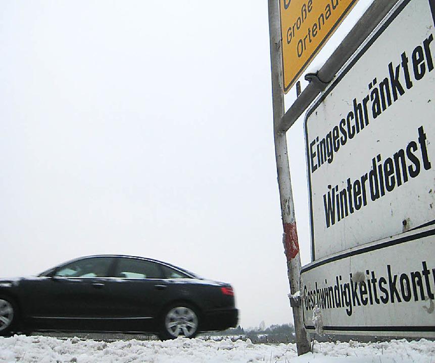 Bis zum Berufsverkehr wollen die Straß... Land und Kreisstraßen geräumt haben.   | Foto: Archivfoto: Seller