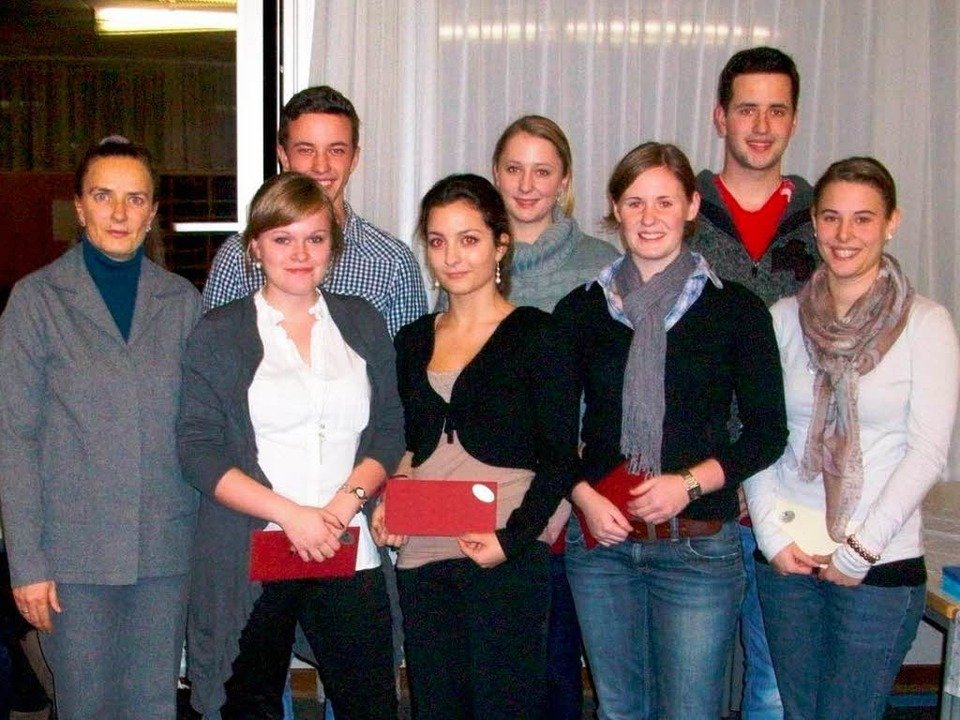 Die Preisträgerinnen und Preisträger m...t-und Fitnesskauffrau Jessica Rössler.    Foto: CHS