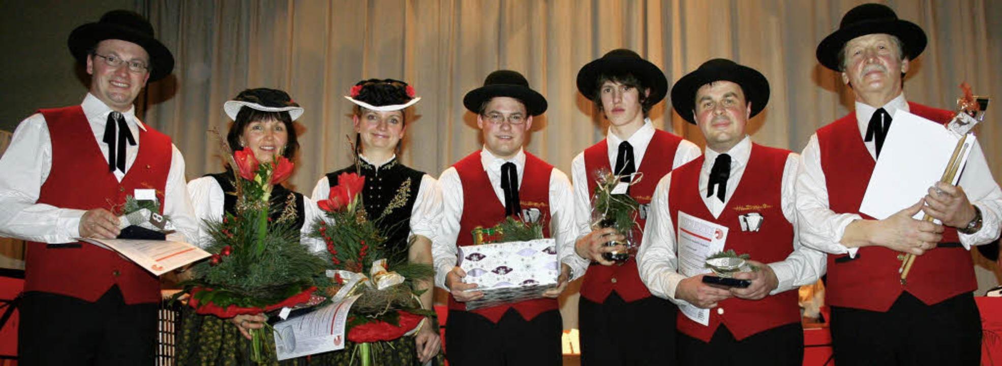 Mit der Ehrenamtsplakette beziehungswe..., Matthias Kapp und Oskar Fehrenbach.   | Foto: Dieter Maurer