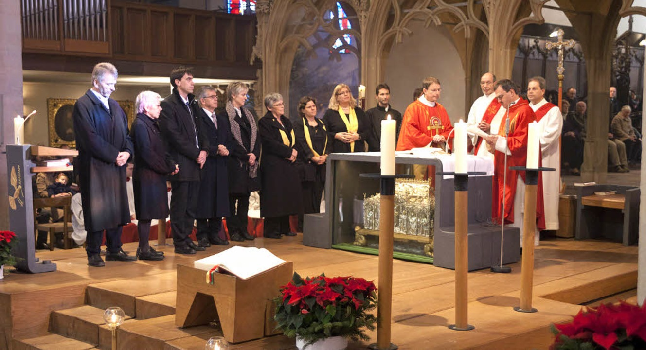 Pfarrer Werner Bauer (Vierter von rech.... Michael in Gündlingen zu übernehmen.  | Foto: privat