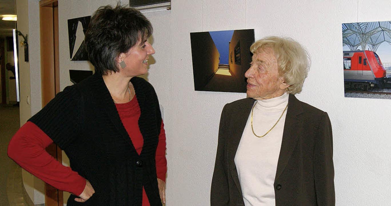Ria Hochmann (links) und Ingrid Wielan...eth beim Werkgespräch im Landratsamt.     Foto: Charlotte Schmid