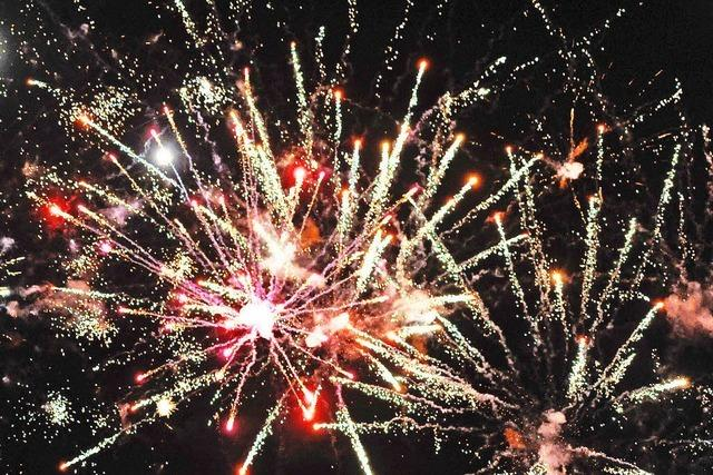 Mit Krach und Funken ins neue Jahr