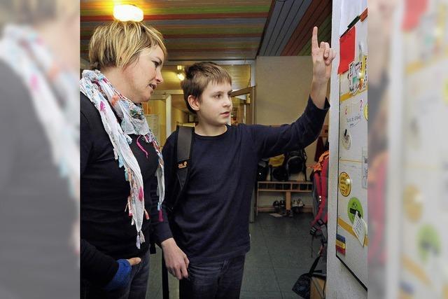 Heilpädagoginnen des Fachdienstes für Integration unterstützen Kinder