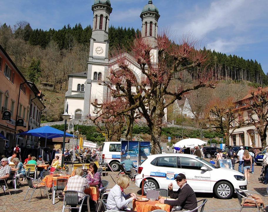 Beim Frühlingsfest fand in Todtnau (li...nauberger Bad konnte wieder öffnen.       Foto: Jäger