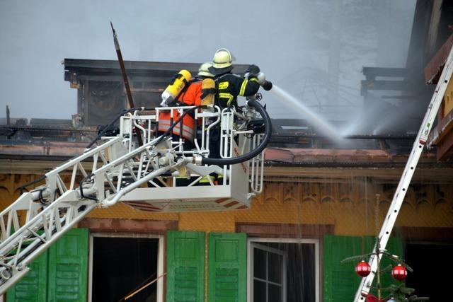 Feuer zerstört Traditionshotel