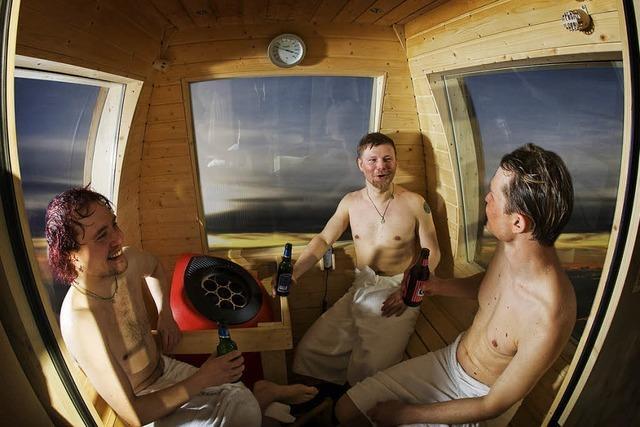 Die Sauna über der Piste, das Polarlicht im Blick