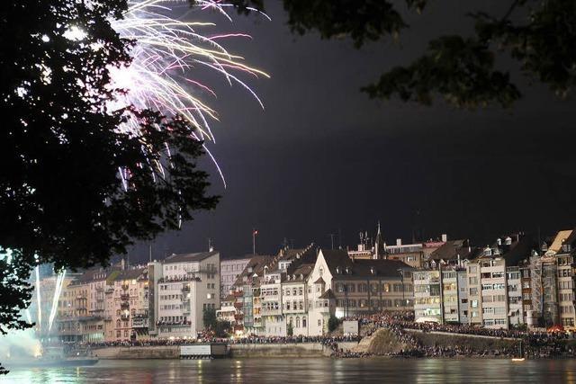An Silvester lässt es Basel über dem Rhein krachen