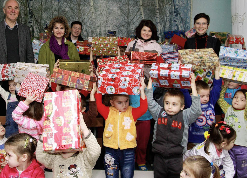 1684 p ckchen an arme kinder in moldawien verteilt weil. Black Bedroom Furniture Sets. Home Design Ideas