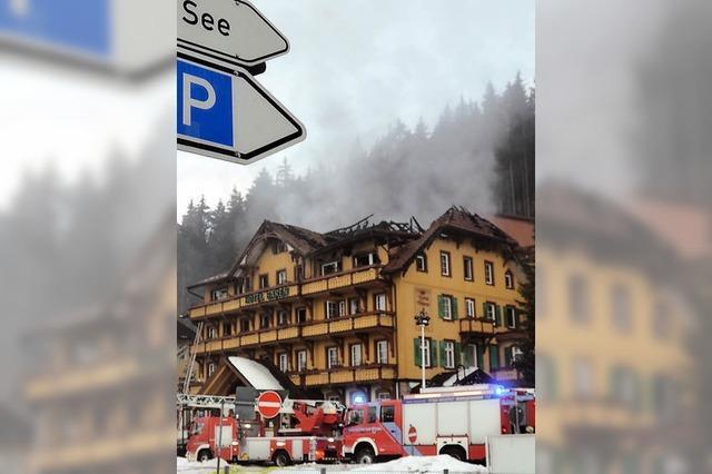 Traditionshotel in Flammen