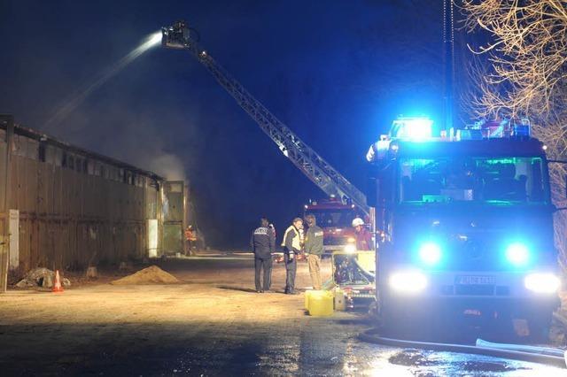 Brand in einer Lagerhalle