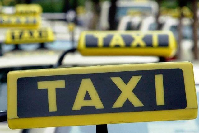Taxifahrer überfallen und ausgeraubt