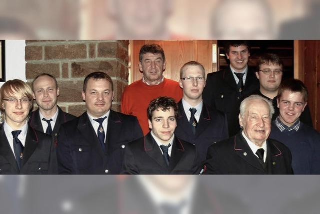 Besondere Ehrung: 70 Jahre der Feuerwehr die Treue gehalten