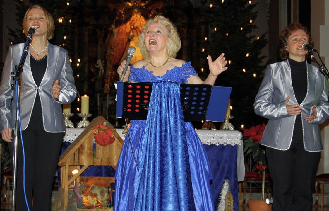 Festlich gekleidet erfreute die Schwar... Wallfahrtskirche mit ihrem Konzert.      Foto: Andreas Böhm