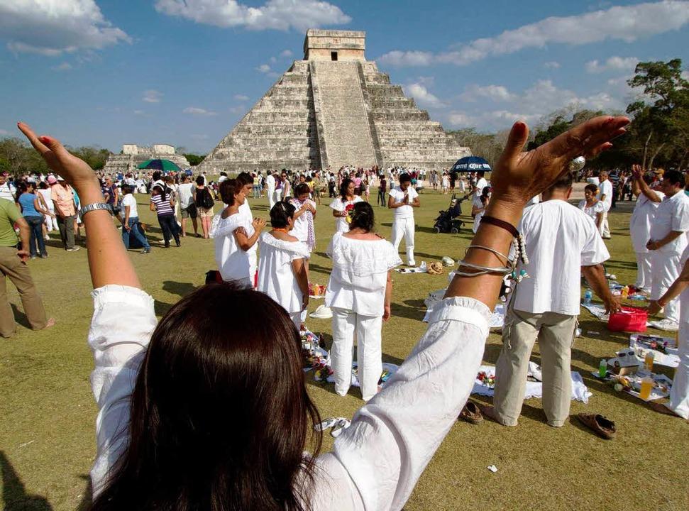 Nachfahren der Maya zelebrieren am 21....das neue Jahr nach dem Maya-Kalender.   | Foto: dpa