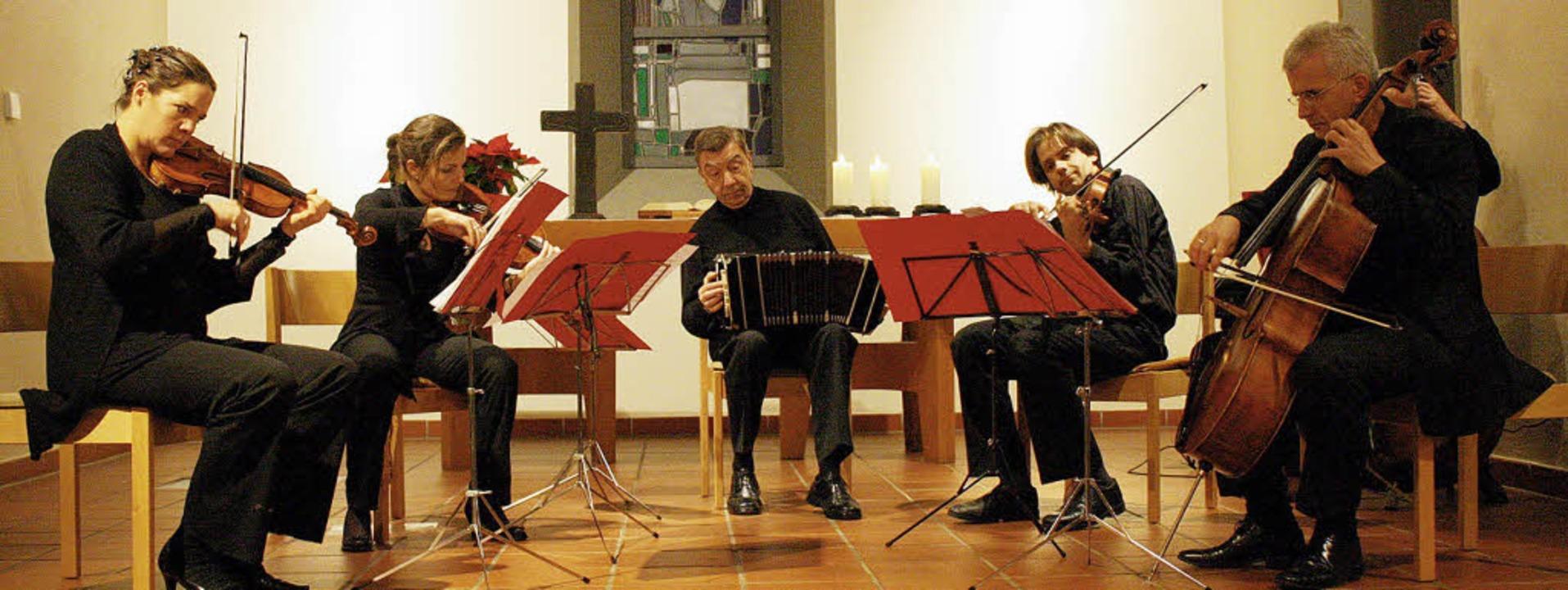 Das Freiburger Janus-Ensemble mit dem ...seinem Auftritt in der Christuskirche.  | Foto: Hans Jürgen Kugler