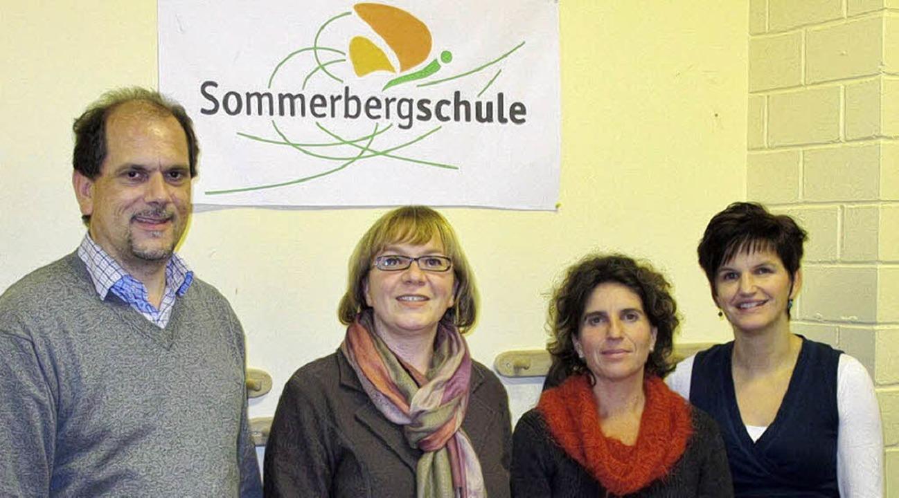 Der Vorstand des Fördervereins der Som...zende), Rosi Schuler (2. Vorsitzende).  | Foto: Privat