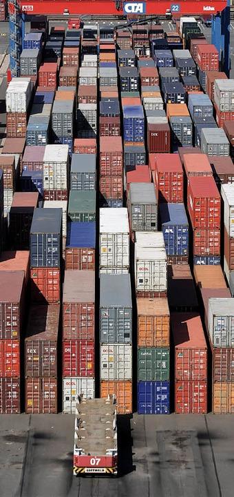 Volle Containerhäfen: Zeichen einer wachsenden Wirtschaft.  | Foto: DPA