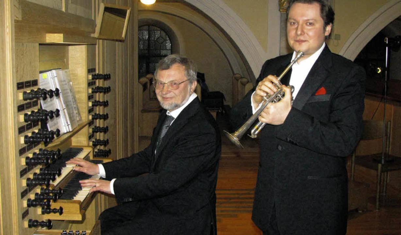 Andrei Kavalinski (Trompete) und Bernh... der St.-Martins-Kirche in Wehr  auf.   | Foto: Michael Gottstein