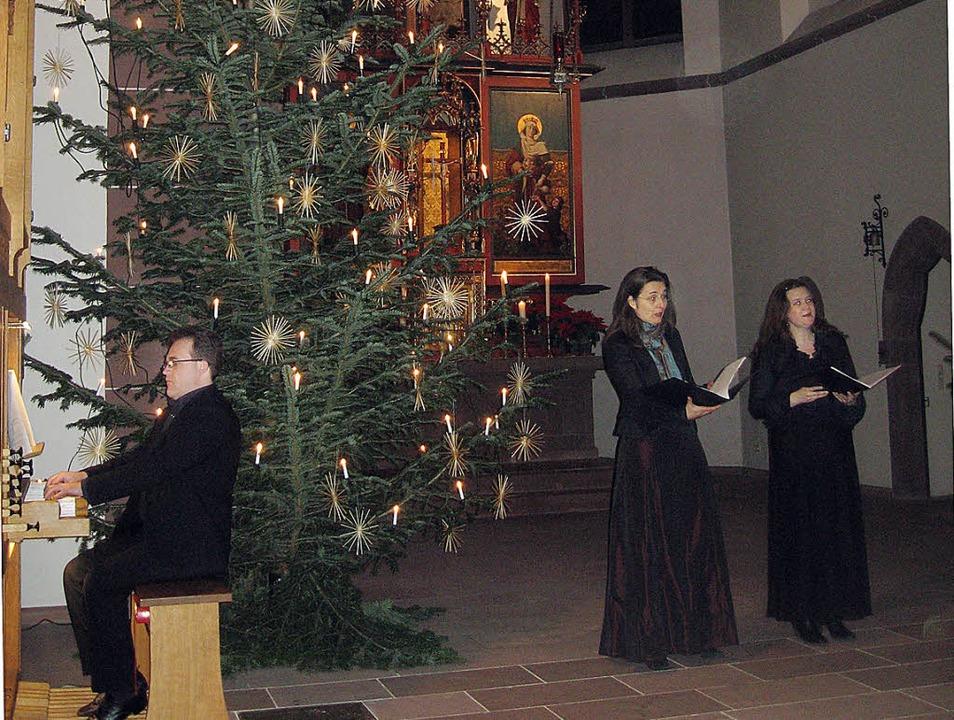 Michele Savino (Orgel) sowie die beide...königskonzert in der Bonifatiuskirche.  | Foto: Hildegard Karig
