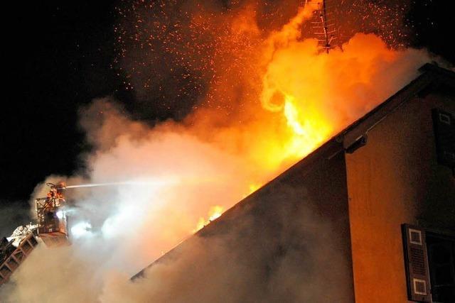 Toter bei Brand in Nimburg: Untermieter warnte zuvor Familie