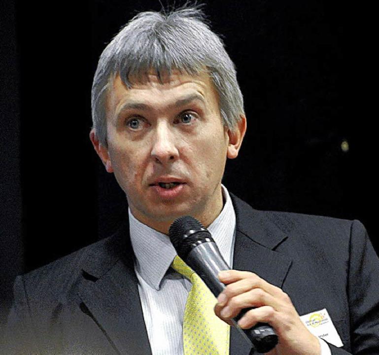 Claus Burger, der Aufsichtsratsvorsitz...8222;Energie aus Bürgerhand Hägelberg.  | Foto: Robert Bergmann