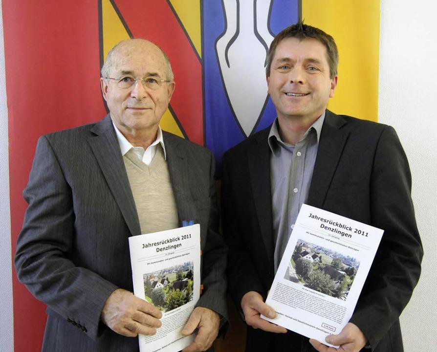 Jahrbuch-Redakteure Dieter Ohmberger und Helmut Kunkler   | Foto: mzd