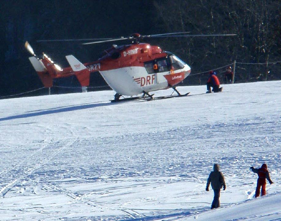 Rettungshubschrauber am Sonntag im Einsatz auf dem Kandel  | Foto: Bergwacht