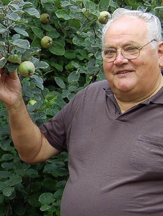 Bernhard Rietschle ist zufrieden mit der Obsternte im Jahr 2011.    Foto: Petra Wunderle